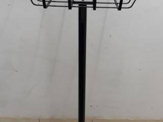 Lixeira de calçada em aço, medidas 61 x 42.5 cm por 19 cm de altura