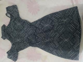 Vestido usado apenas 1 vez cada um é 15 reais