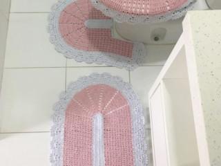Jogo de tapetes banheiro em Crochê lindíssimo