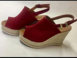 Vendo lindas sandálias direto da fábrica vários modelos ...