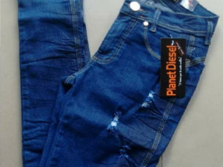 Calças na promoção jeans 35 reais