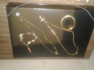Vendo estas bijuterias