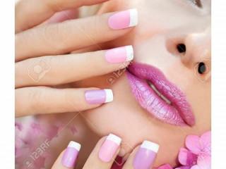 Gostaria de se tornar uma manicure e pedicure profissional ?