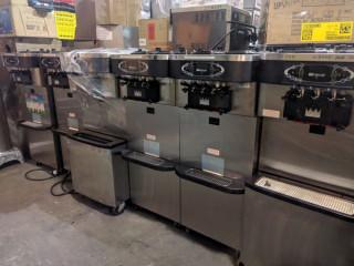 Máquinas de sorvetes soft e açaí