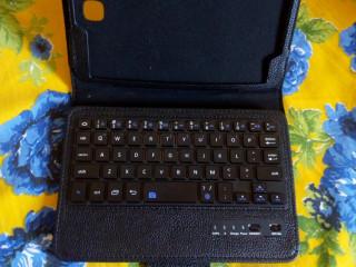 Teclado para tablet e/ou celular sem fio