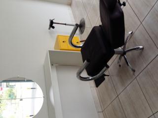 Cadeira de barbearia hidráulica em excelente de conservação