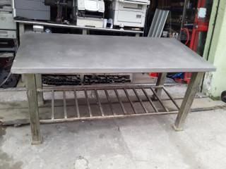 Mesa de inox estrutura de ferro