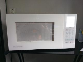 Microondas Brastemp com grill 30 l