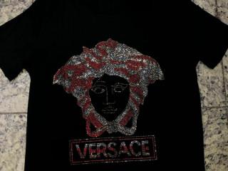 Camisetas de luxo Philip plein dolce Gabbana versace entre outras