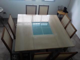 Conjunto de mesa + 8 cadeiras madeira de Qualidade