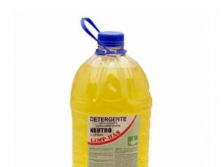 Detergente neutro líquido