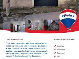 Casa a 7 minutos do centro Betim com 2 imóveis