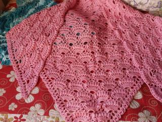 Xale de crochet feito em lã macia