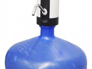 Bomba elétrica para galões de água.