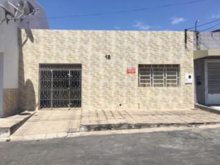 VENDO EXCELENTE CASA NO CENTRO DE PAULO AFONSO