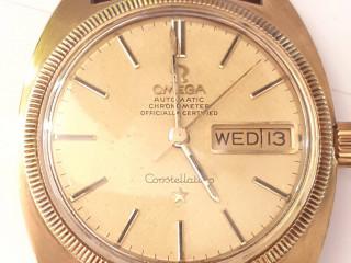 Relógio marca omega modelo constelletion ouro amarelo