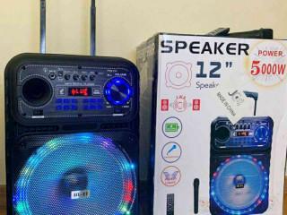 Caixa De Som amplificada 5000w de potência! Microfone sem fio grátis.