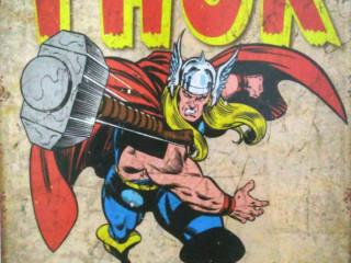 Quadro Thor Em Metal 30x40 Cm